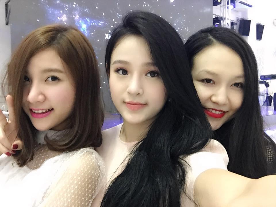 Hot girl Hà thành xinh tươi dự đầy tháng con trai Tuấn Hưng - Ảnh 1