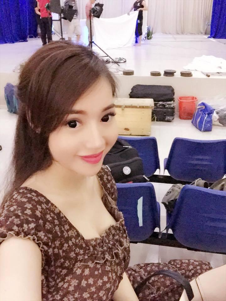 Mê mẩn nhan sắc cựu hot girl Việt làm mẹ nhưng vẫn xinh lung linh - Ảnh 7
