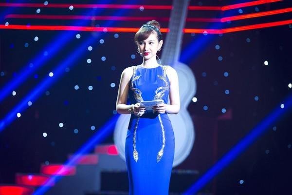 Mê mẩn nhan sắc cựu hot girl Việt làm mẹ nhưng vẫn xinh lung linh - Ảnh 11