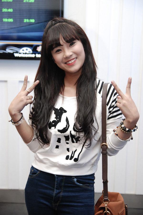 Hot girl Hoàng Yến Chibi đẹp tinh khôi trong tà áo dài - Ảnh 3