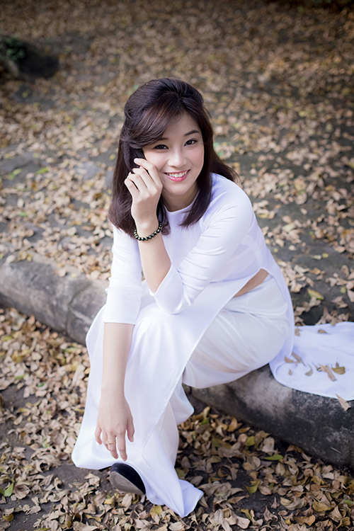 Hot girl Hoàng Yến Chibi đẹp tinh khôi trong tà áo dài - Ảnh 10