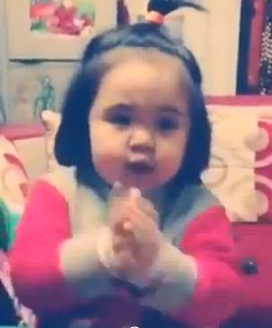 """Xem cover """"Mình yêu nhau đi"""" của bé 2 tuổi cực đáng yêu - Ảnh 3"""