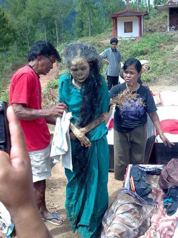 Kỳ lạ chuyện xác chết đi lại, tìm đường về nhà ở Indonesia - Ảnh 1