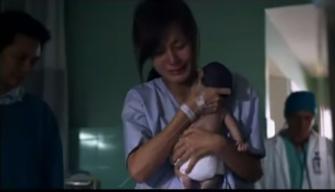 """Rơi nước mắt khi xem clip """"Tình mẫu tử thiêng liêng"""" - Ảnh 2"""