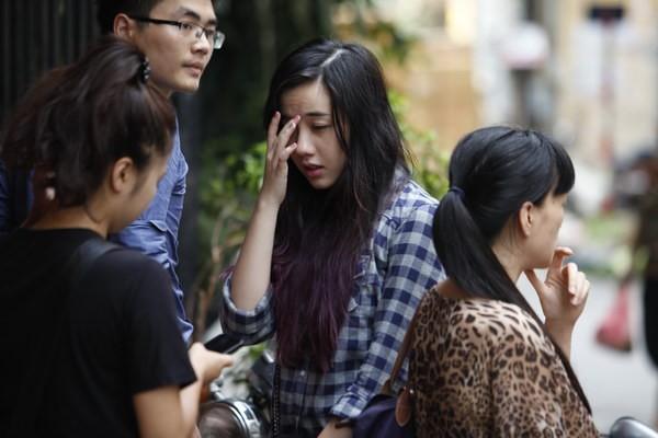 Hot girl Mie, JVevermind khóc nức nở khi đến nhà Toàn Shinoda - Ảnh 4