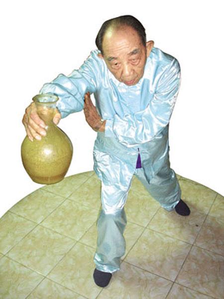 Võ sư Trần Hưng Quang: Huyền thoại võ Việt và cái chết đầy bí ẩn  - Ảnh 1