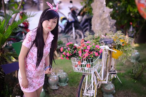 Hot girl ngộ nghĩnh xinh đẹp hơn hoa - Ảnh 4