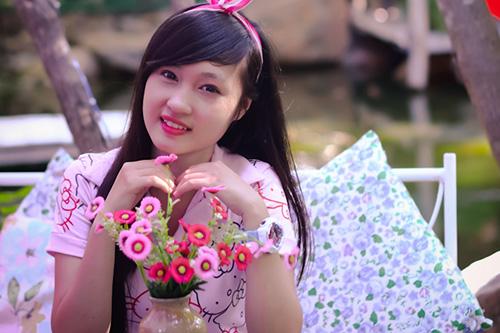 Hot girl ngộ nghĩnh xinh đẹp hơn hoa - Ảnh 1