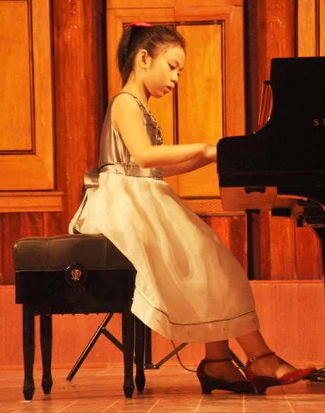Những bé gái 10X xinh đẹp gây sốt cộng đồng mạng Việt - Ảnh 13