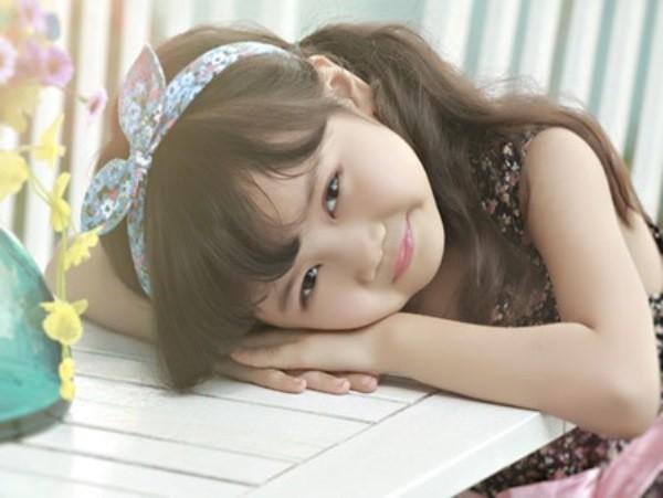 Những bé gái 10X xinh đẹp gây sốt cộng đồng mạng Việt - Ảnh 1