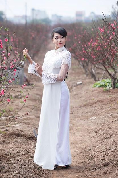 """Ngất ngây thiếu nữ Hà thành """"đọ sắc"""" bên vườn đào Nhật Tân - Ảnh 2"""