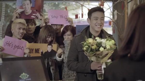 """Video: """"Sét đánh ngang tai rụt rè"""" khiến giới trẻ thổn thức dịp Valentine - Ảnh 3"""