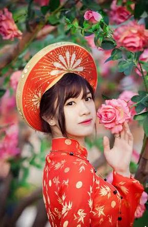 Xuân Ất Mùi 2015: Hot girl Kiến Trúc khoe sắc bên vườn đào  - Ảnh 3