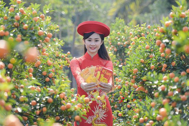 Mê mẩn với nhan sắc xinh đẹp của nữ sinh Kinh tế bên vườn quất  - Ảnh 5