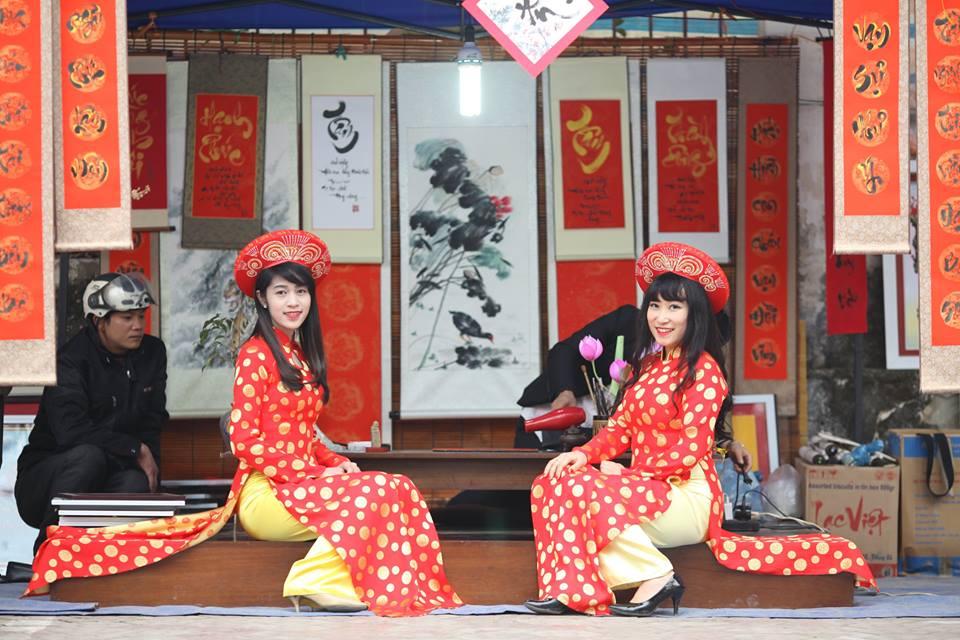 Thiếu nữ 9X xứ Tuyên xinh đẹp trong tà áo dài đỏ du xuân đầu năm - Ảnh 6