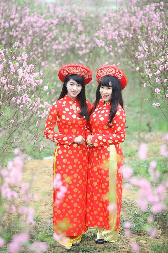 Thiếu nữ 9X xứ Tuyên xinh đẹp trong tà áo dài đỏ du xuân đầu năm - Ảnh 7