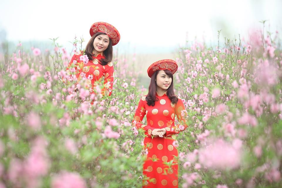 Thiếu nữ 9X xứ Tuyên xinh đẹp trong tà áo dài đỏ du xuân đầu năm - Ảnh 8