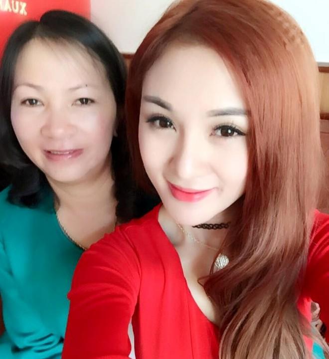 Các hot girl Việt đã có những ngày Tết như thế nào? - Ảnh 10