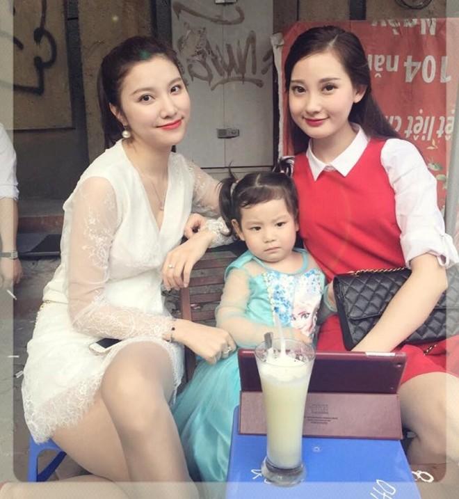 Các hot girl Việt đã có những ngày Tết như thế nào? - Ảnh 4