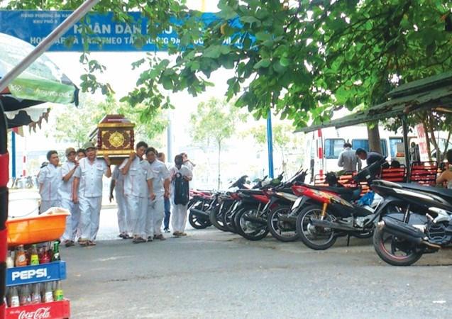 Xót xa vụ nhảy cầu chết thảm của đôi vợ chồng tại Sài Gòn - Ảnh 1