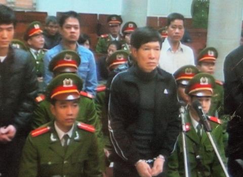 """Dương Chí Dũng khai đưa """"ông anh"""" Bộ Công an 500.000 USD - Ảnh 1"""