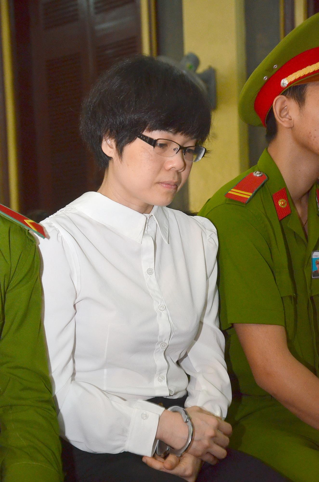 """Huỳnh Thị Huyền Như lừa đảo vì sợ bị """"đập vỡ mặt"""" - Ảnh 1"""