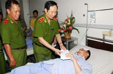 Những hình ảnh đáng nhớ về Thượng tướng Phạm Quý Ngọ (2) - Ảnh 4