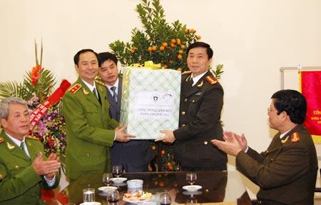 Những hình ảnh đáng nhớ về Thượng tướng Phạm Quý Ngọ (2) - Ảnh 6