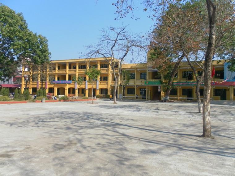 """Vụ """"phá trường xây chợ"""" ở Hà Nội: Cựu chủ tịch xã  bỗng """"mất tích"""" - Ảnh 1"""