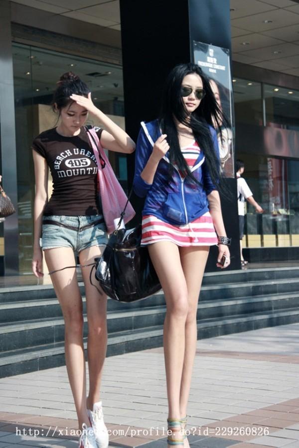 Chùm ảnh hot của cặp song sinh có đôi chân đẹp nhất Trung Quốc - Ảnh 14