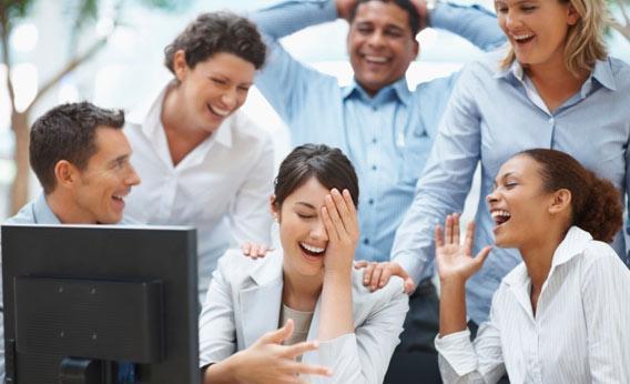 """6 kiểu người phải kết bạn """"bằng được"""" nơi công sở - Ảnh 1"""