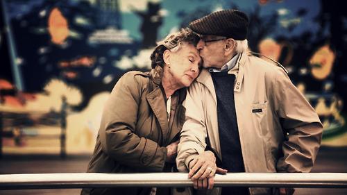 Xúc động lá thư tình cụ ông 90 tuổi viết tặng cụ bà 80 - Ảnh 1