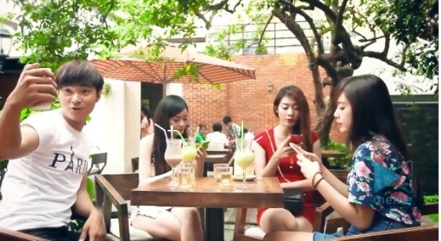 BB&BG tung clip hài hước về giới trẻ và công nghệ - Ảnh 1