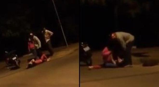 Phẫn nộ người đàn ông cùng bồ nhí đánh vợ tàn bạo - Ảnh 1