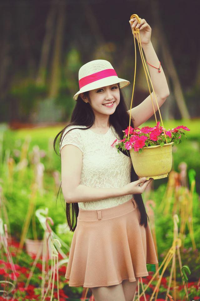 Vẻ đẹp dịu dàng của hot girl 9X Đà Nẵng khiến vạn người mê - Ảnh 1