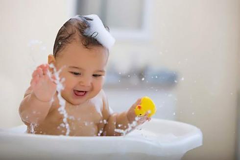 Nguyên nhân và cách phòng tránh bệnh rôm sảy ở trẻ nhỏ - Ảnh 2