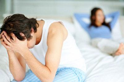 Nơm nớp sợ mất vợ vì mới 30 đã bị yếu sinh lý - Ảnh 1
