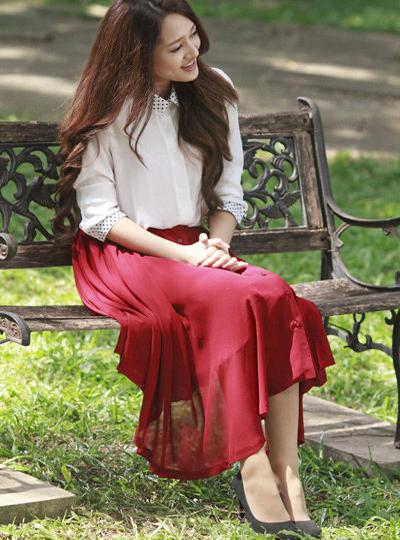 Biến hóa sành điệu, quyến rũ cùng áo sơ mi trắng - Ảnh 6