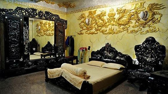 Điểm danh những biệt thự dát vàng của sao Việt - Ảnh 13
