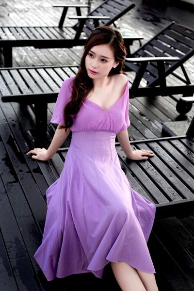 Nhan sắc nóng bỏng của cô gái gái xinh đẹp Trang Cherry - Ảnh 1