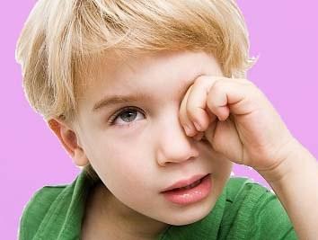 5 thói quen xấu khiến trẻ dễ mắc bệnh trong mùa thu - Ảnh 2
