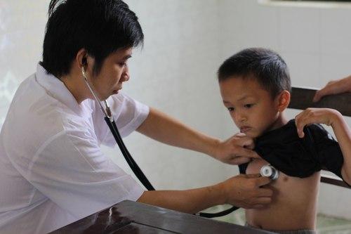 Những hình ảnh đẹp về ngày Thầy thuốc Việt Nam - Ảnh 7