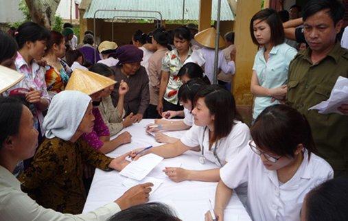 Những hình ảnh đẹp về ngày Thầy thuốc Việt Nam - Ảnh 8