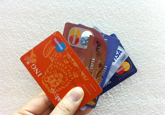 Tết Giáp Ngọ: Quẹt thẻ để mua sắm - Ảnh 1