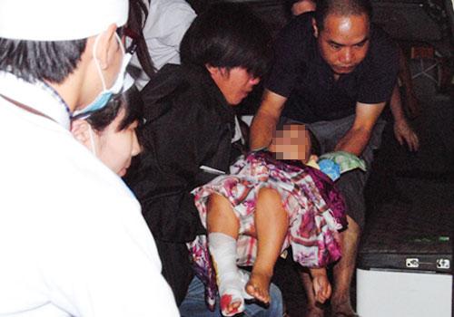 Vụ cô gái tập lái ô tô đâm chết 2 người:  Nghi đạp nhầm chân ga - Ảnh 2