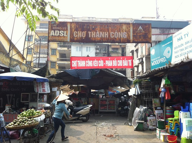 Chủ tịch quận Ba Đình: Không có chuyện dỡ bỏ chợ Thành Công - Ảnh 2