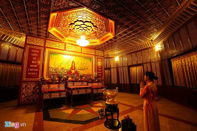 Đền thờ dát vàng phục vụ khách miễn phí ở Khu du lịch Đại Nam - Ảnh 11