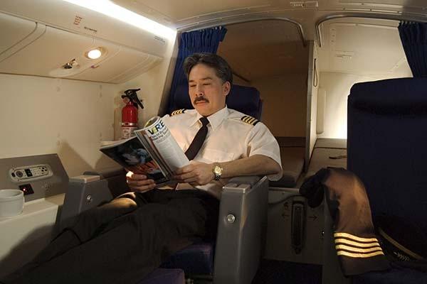 Những điều chưa biết về dòng máy bay mất tích Boeing 777 - Ảnh 14