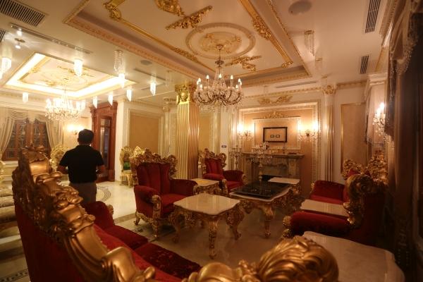 Phòng ngủ Tổng thống, nhà tắm Đế vương của đại gia Việt - Ảnh 4