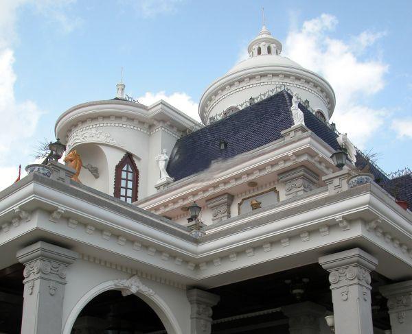 Đại gia Hải Phòng sở hữu lâu đài Châu Âu sang trọng - Ảnh 6